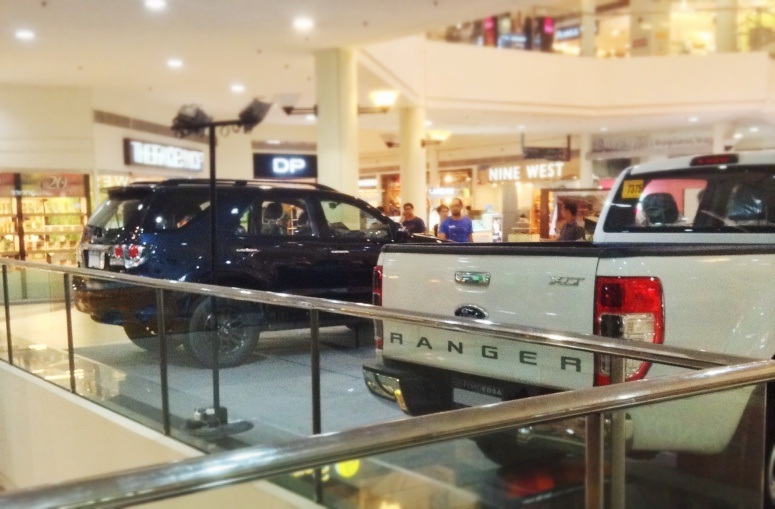 Are they selling a Ford Ranger Truck with a Toyota Fortuner in tow?!