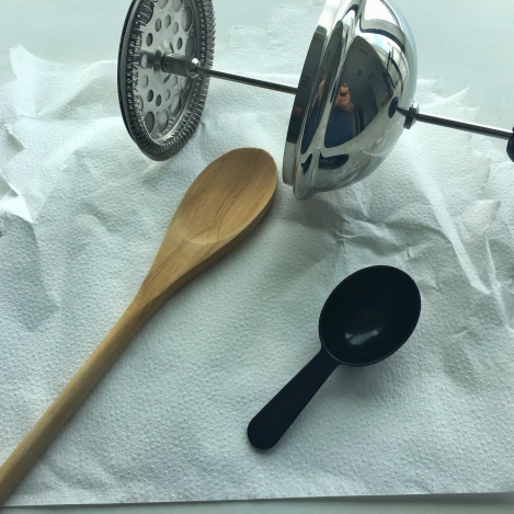 My posse: Rounded scoop for 7g; Wooden spoon taken from home (sorry mom); and the plunger.
